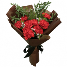 send 9 pcs. red carnation in bouquet to manila