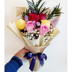 send 6 pcs. fresh mixed roses in bouquet to manila