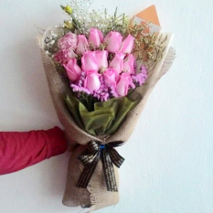 send 12 pcs. pink color roses in bouquet to manila