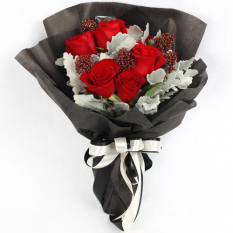 delivery 5 red ecuadorian roses bouquet to manila
