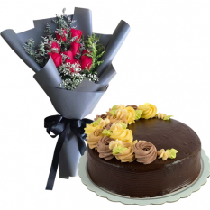8 Pcs. Roses with Chocolate Message Cake By Max's
