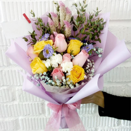 send 9 pcs. pink and yellow roses bouquet to manila