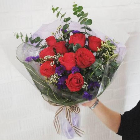 send 9 stems red color roses in bouquet to manila