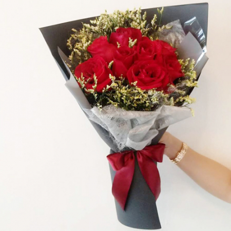 send 12 pcs. red roses in bouquet to manila